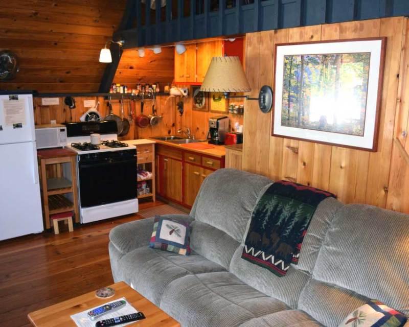 Cozy charming romantic getaway cabin