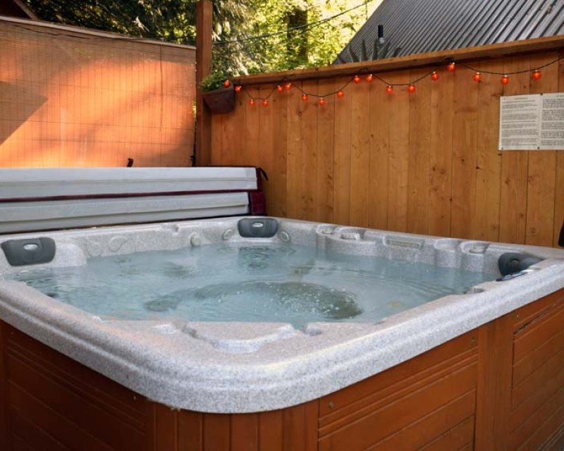 Whispering Waters Romantic Cabin Vacation Rental Cabins Close To Seattle Washington