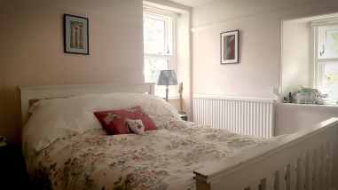Dundee House Sit Bedroom