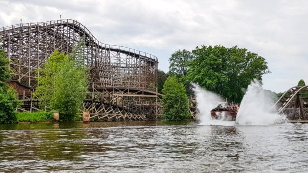 Flying Dutchman Ride in Efteling