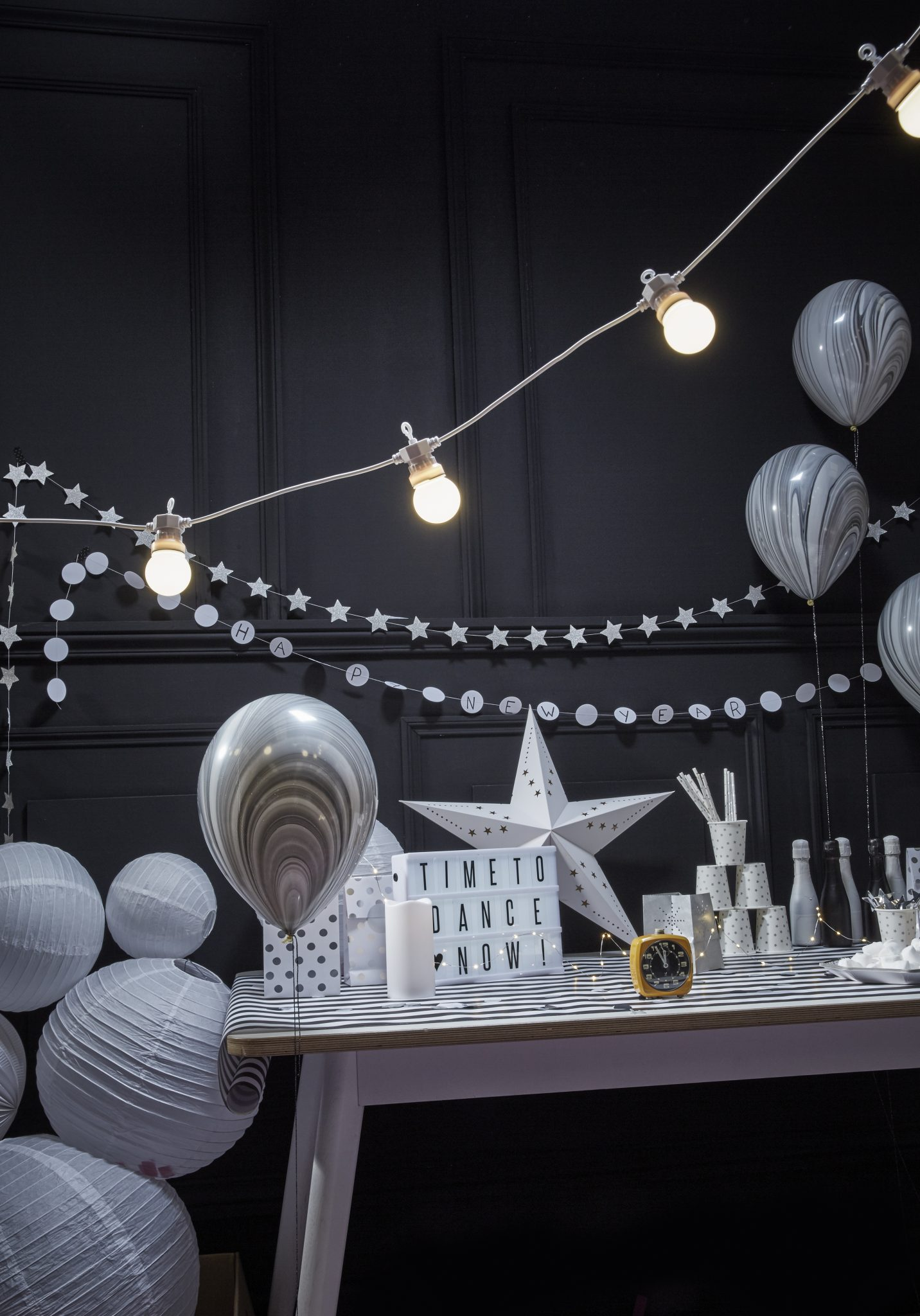 decoration nouvel an bonne annee noir blanc argent blanc noir saint sylvestre 31 decembre