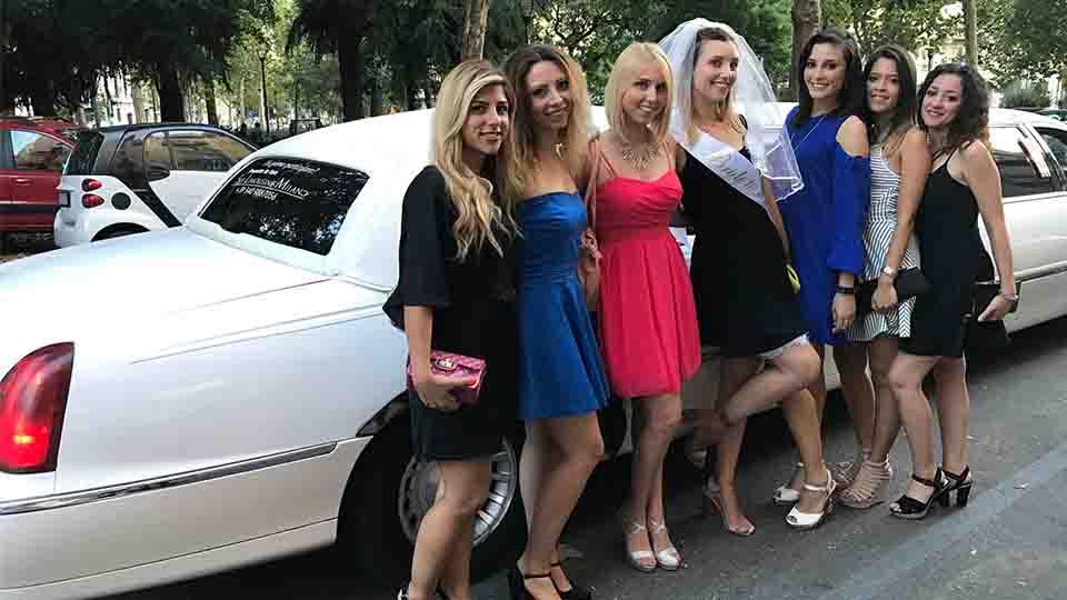 Noleggio limousine per addio al nubilato Milano