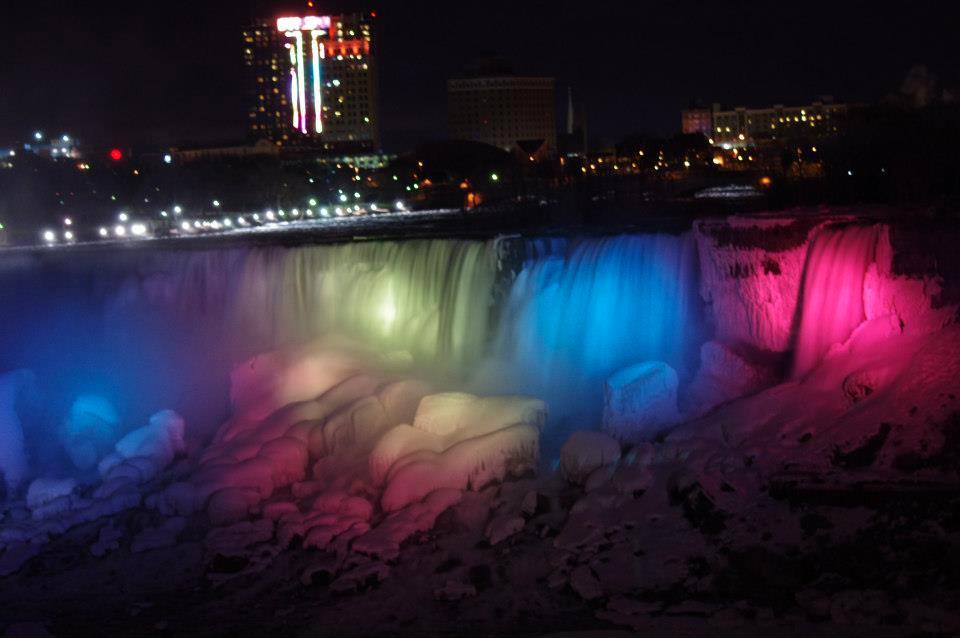 Niagara Falls Photo Gallery  Skylon Tower  Skylon Tower