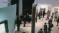 سرقة لوحة من متحف بروسيا