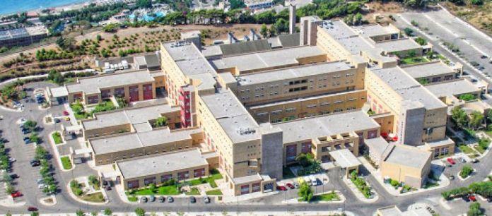 Σε συναγερμό το νοσοκομείο μετά τα κρούσματα σε γιατρό και νοσηλευτές