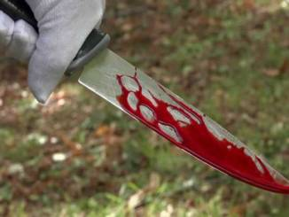 Kimberley hospital patient stabs 2 doctors and a patient