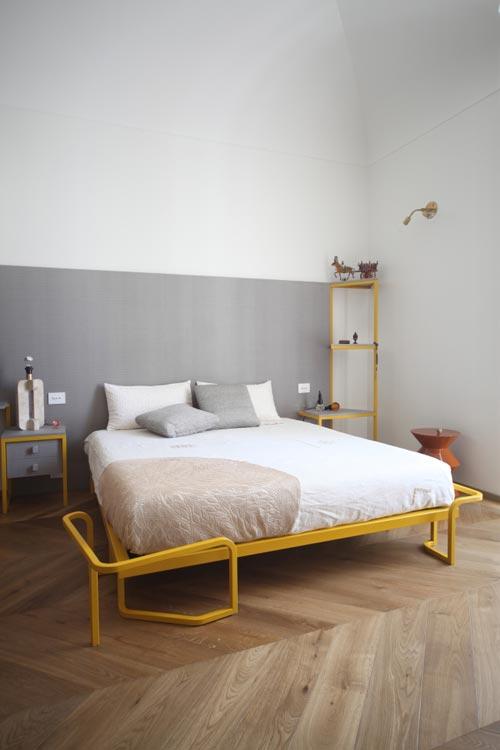 Design slaapkamer met geel en grijs  Slaapkamer ideen