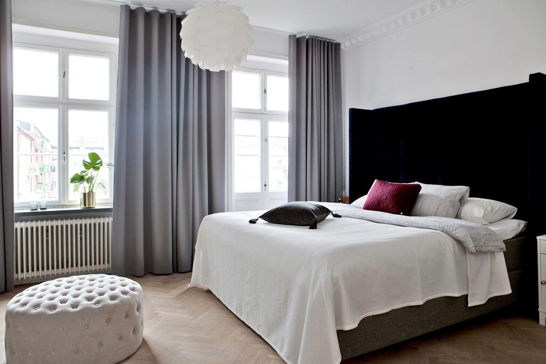 Klassieke slaapkamer met open inloopkast  Slaapkamer ideen