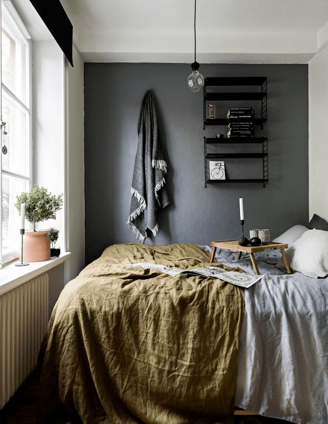 Kleine slaapkamer inrichting van een jaren 30 appartement
