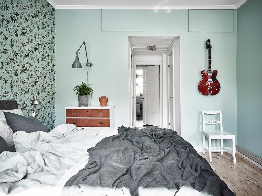 Slaapkamer met mintgroene muren  Slaapkamer ideen