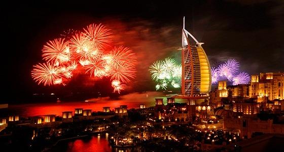 """استعدادا لـ """" جينيس """" .. برج خليفة يبهر جماهيره في احتفالات رأس السنة"""