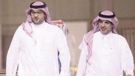 الأمير فهد بن خالد يحل أزمة بلعمري مع إدارة الشباب