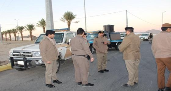 بالصور .. متابعة لأداء حملة وطن بلا مخالف بمحافظة تثليت