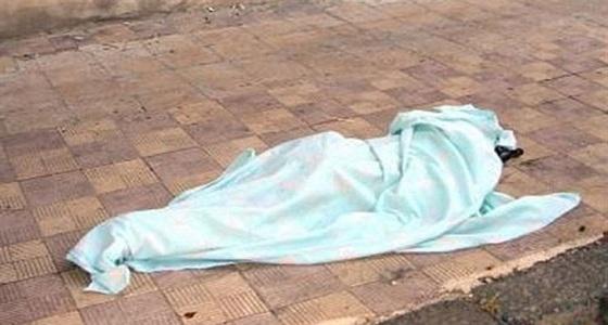 """بالفيديو.. انهيار أم الطفلة الضحية """" زينب """" بباكستان"""
