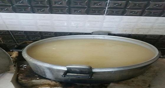 بالصور.. ضبط كميات كبيرة من الخمور بمصنع في صامطة جازان