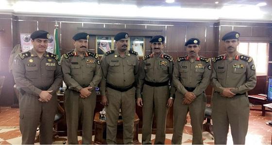 بالصور.. مدير شرطة الجوف يقلد عدداً من الضباط رتبهم الجديدة