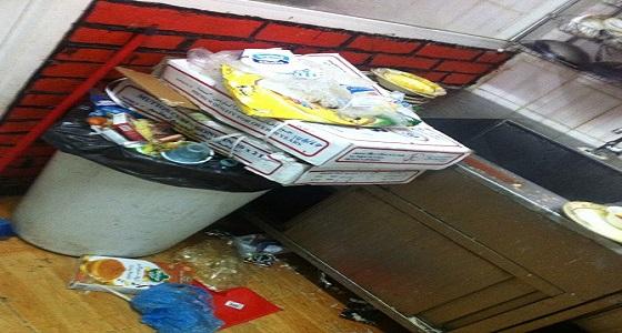 """بلدية العويقيلة : """" فئران """" في محل للوجبات المدرسية"""