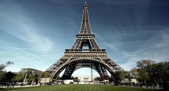 """"""" فرنسا """" : إغلاق برج """" إيفل """" لسوء الأحوال الجوية"""