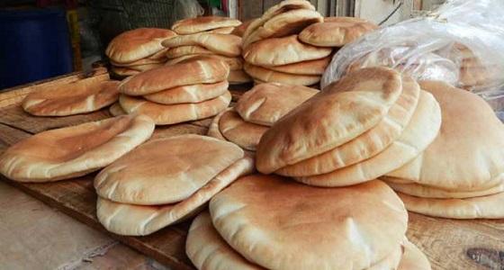 الحوثي يضيق الخناق على اليمنيين ويرفع سعر الخبز لـ20 ريال