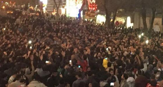 """"""" نائب إيراني """" : السلطات اعتقلت 5000 شخص خلال الاحتجاجات الأخيرة"""