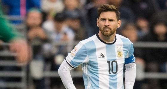رئيس الاتحاد الأرجنتيني يطالب ميسي بأمر غريب