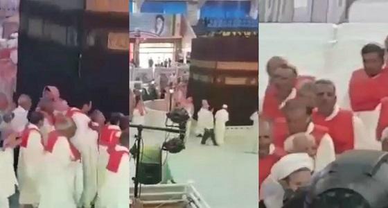 """بالفيديو.. إيران تبني """" كعبة """" على أراضيها.. وقطر تطوف حول المجسم المزيف"""
