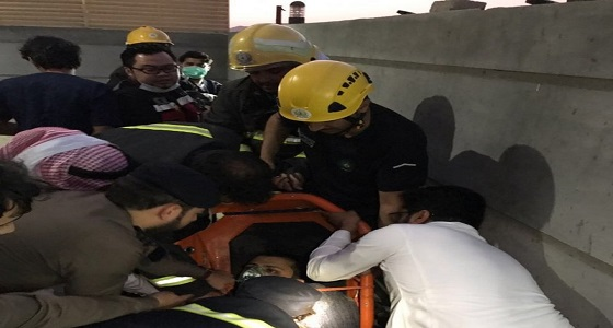 إنقاذ مواطن عشريني وسائقه من الموت بالطائف