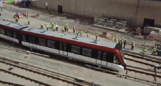 بالفيديو.. قطار الرياض للمسار البرتقالي يبدأ أول مراحل الاختبارات التشغيلية
