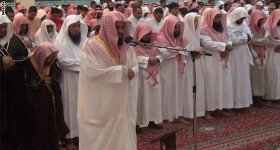 """"""" الفاتح """" مهمة الإنقاذ للإمام إذا أخطأ في الصلاة"""