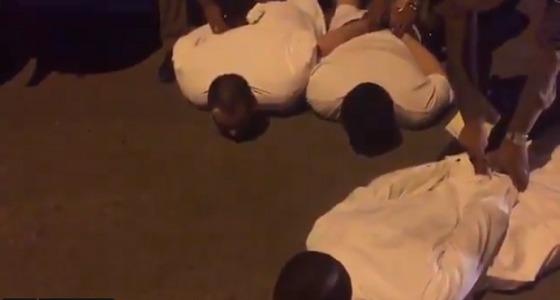 بالفيديو.. أول ظهور للمعتدين على رجال الأمن بعد القبض عليهم