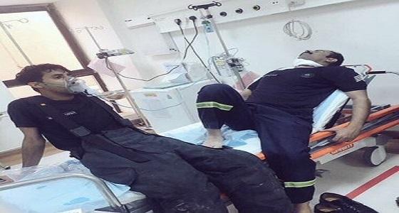 صورة لرجال الدفاع المدني بعد سيطرتهم على حريق مستشفى رفحاء المركزي