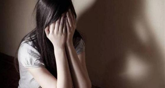 طالبة تتفق مع خطيبها على خطفها وطلب مبلغ خيالي فدية من أهلها