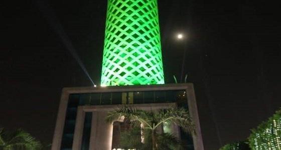 بالصورة.. برج القاهرة يتزين باللون الأخضر