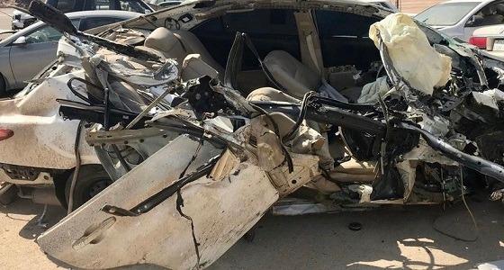 """مصرع وإصابة 8 أشخاص من عائلة واحدة على طريق """"  بيشة – الرياض"""""""