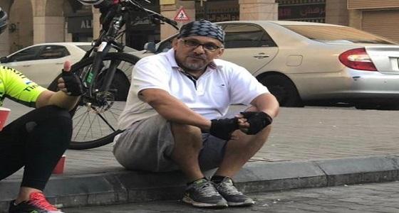 رغم إصابته بمرض في الشرايين مواطن خمسيني يقطع 1700 كم من الاسكندرية إلى جدة