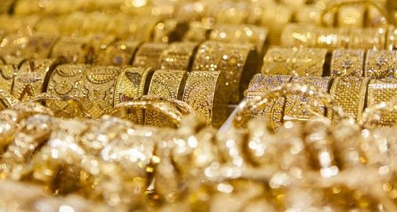 الذهب يهبط لأدنى مستوى في أسبوع