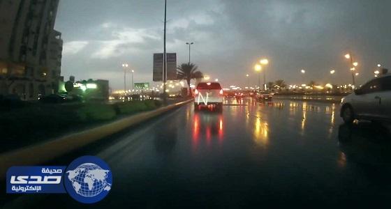 أمطار على مراكز محافظة الوجه