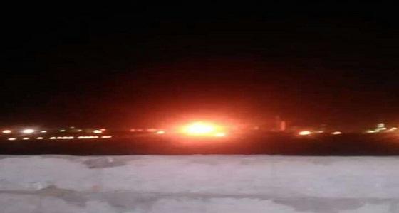 بالفيديو.. اشتعال النيران في أحد خزنات الوقود في مصافي عدن.. واتهام لقطر