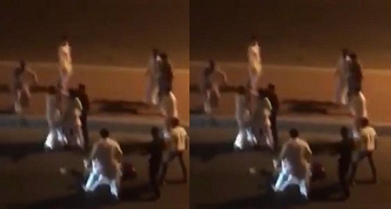 بالفيديو.. مقتل شخص وإصابة 3 آخرين إثر مشاجرة جماعية بجدة