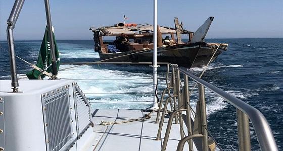 حرس الحدود ينقذ مواطناً كويتياً تعطل قاربه في المياه الإقليمية السعودية
