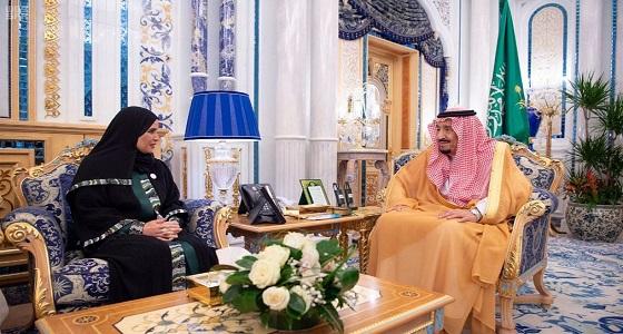 خادم الحرمين يستقبل رئيسة المجلس الوطني الاتحادي الإماراتي