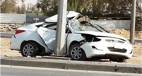 إصابات في حادث انحراف مركبة بجدة
