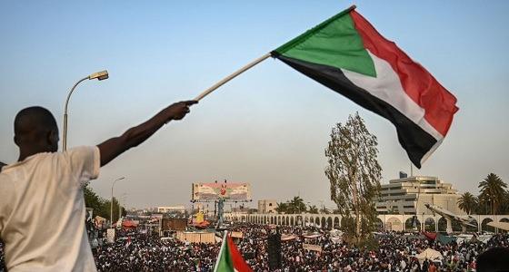 المجلس العسكري السوداني يدعو لانتخابات مبكرة