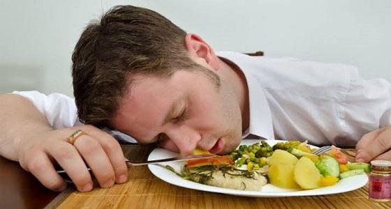 أشياء بسيطة تخلصك من الشعور بالنعاس بعد الغداء