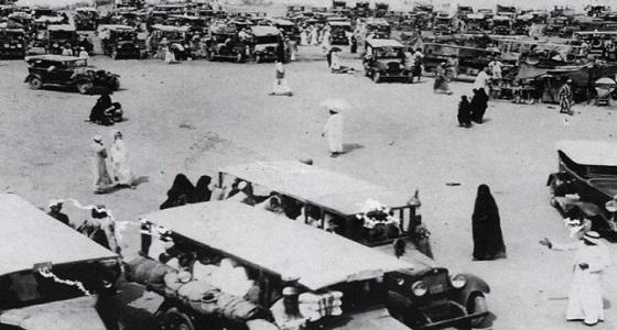 صور نادرة لسيارات نقل الحجاج لمكة المكرمة قبل 88 عام