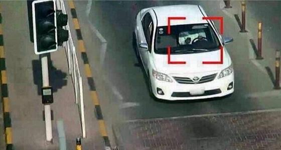 تحذير من المرور بشأن حزام الأمان