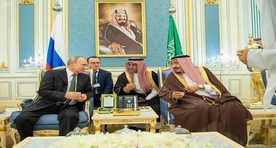 بالفيديو.. مراسم استقبال استثنائية للرئيس الروسي في الديوان الملكي
