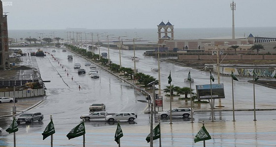 مدني جازان يدعو لاتباع إرشادات السلامة وقت هطول الأمطار