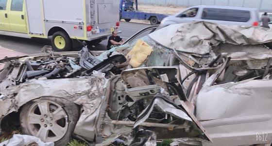 بالصور.. مصرع وإصابة 10 من عائلة واحدة إثر حادث تصادم على طريق الرياض