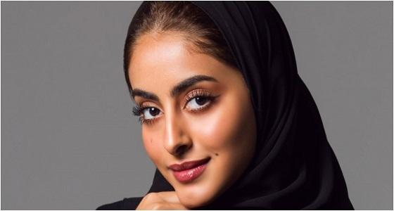 الجمهور يفتح النار على جود عزيز بعد تخليها عن الحجاب (فيديو)